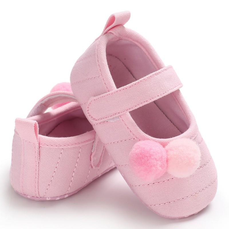 Summer Baby Girls Shoes Cotton Breathable Soft Bottom Non-Slip Hair Ball Toddler Cute Baby Crib Shoes