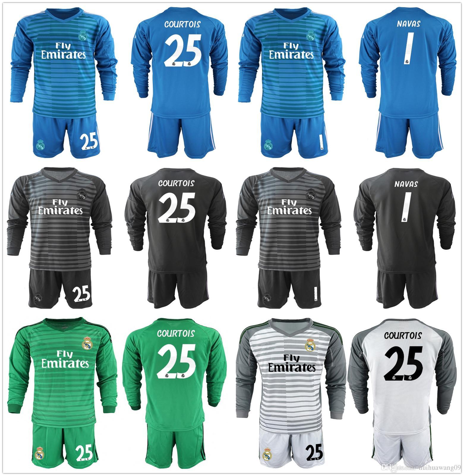 Compre 2018 2019 Conjunto De Fútbol De Real Madrid De Manga Larga Portero  Kit Keylor Navas 25 Portero De Courtois Camiseta De Mangas De Bale Del  Uniforme De ... 83986cf3da46a