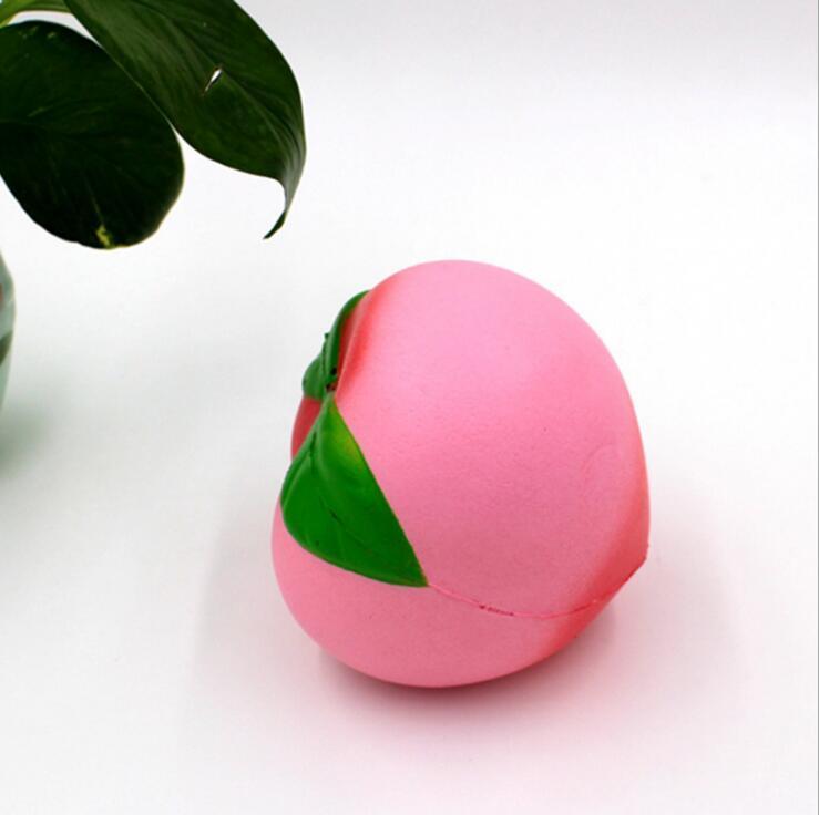 Decompression Toys Wholesale 10CM Jumbo Kawaii Soft Slow Rising Peach Keychain Mobile Phone Pendant Children Toys Cute Rebound Peach