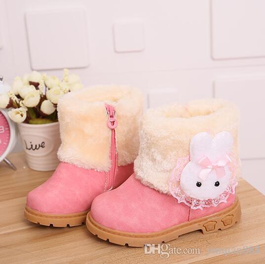 0a45ea4cd Compre Botas Para La Nieve De Invierno 2018 Para Niños Nuevas Botas Para  Niñas Calientes Zapatos De Algodón Para Bebés Rojo Rosado Marrón Cabeza De  Conejo ...