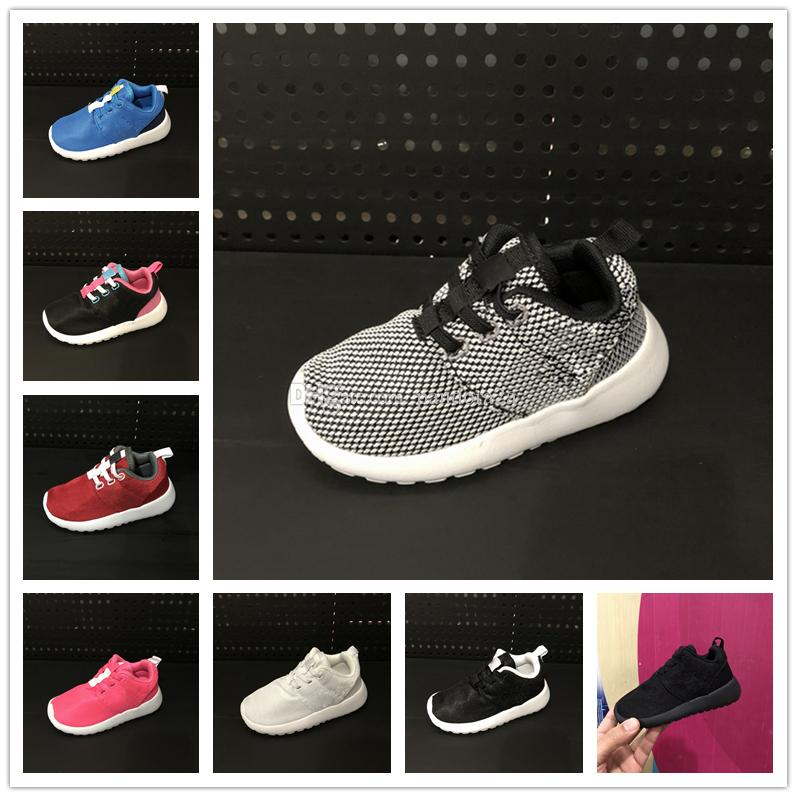 f8a4eed712c84 Acquista Nike Roshe Run Rosherun Scarpe Bambini Scarpe Da Corsa Ultra  Leggere Ragazzi Scarpe Da Corsa Da Indossare Ragazze Scarpe Da Ginnastica  Bambini A ...