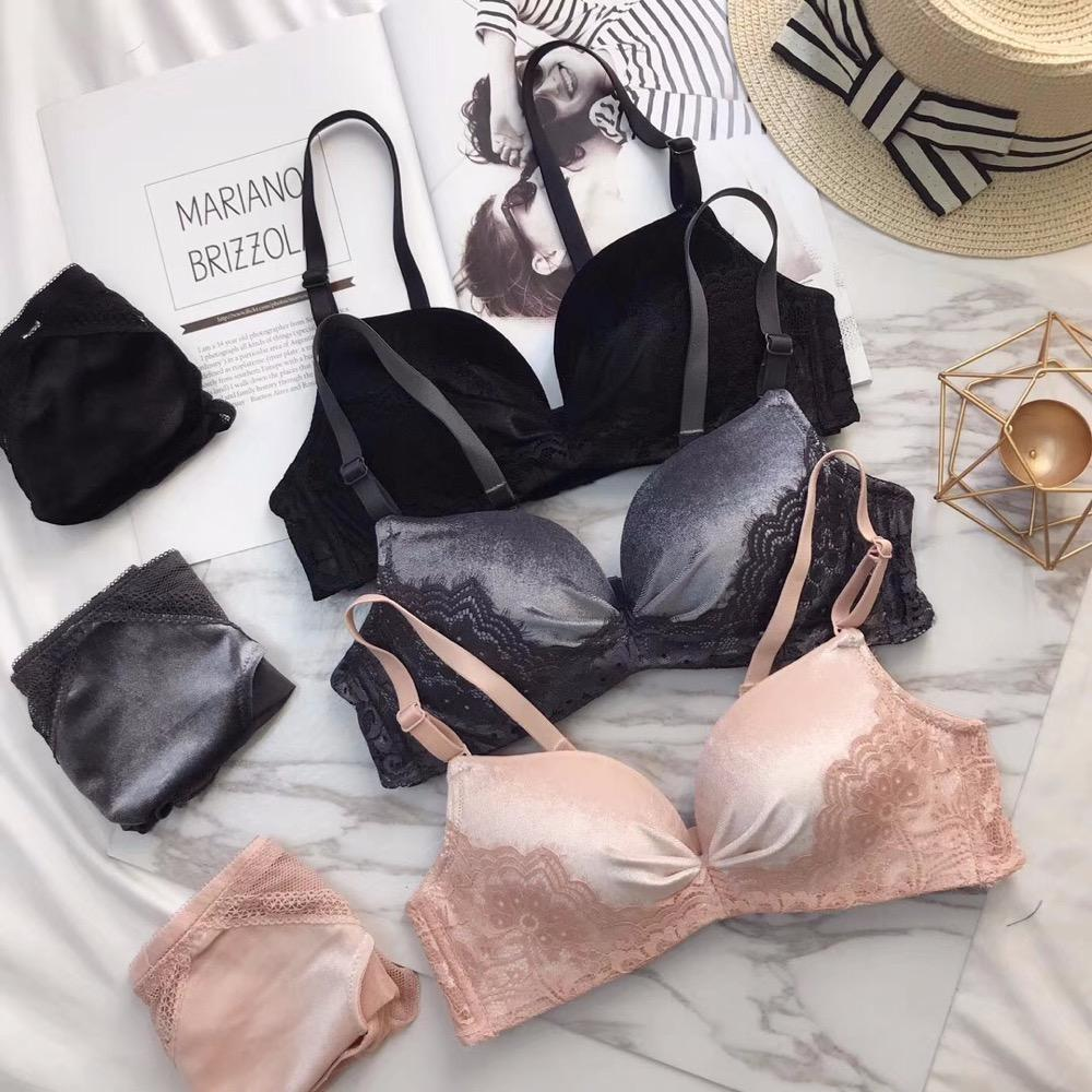 3411b0974 2019 2018 Fall And Winter Plush Warm Sexy Lingerie Suits Wire Free Bralette  Bra Set Lace Bras Transparent Panties Neck Intimates From Guchen3