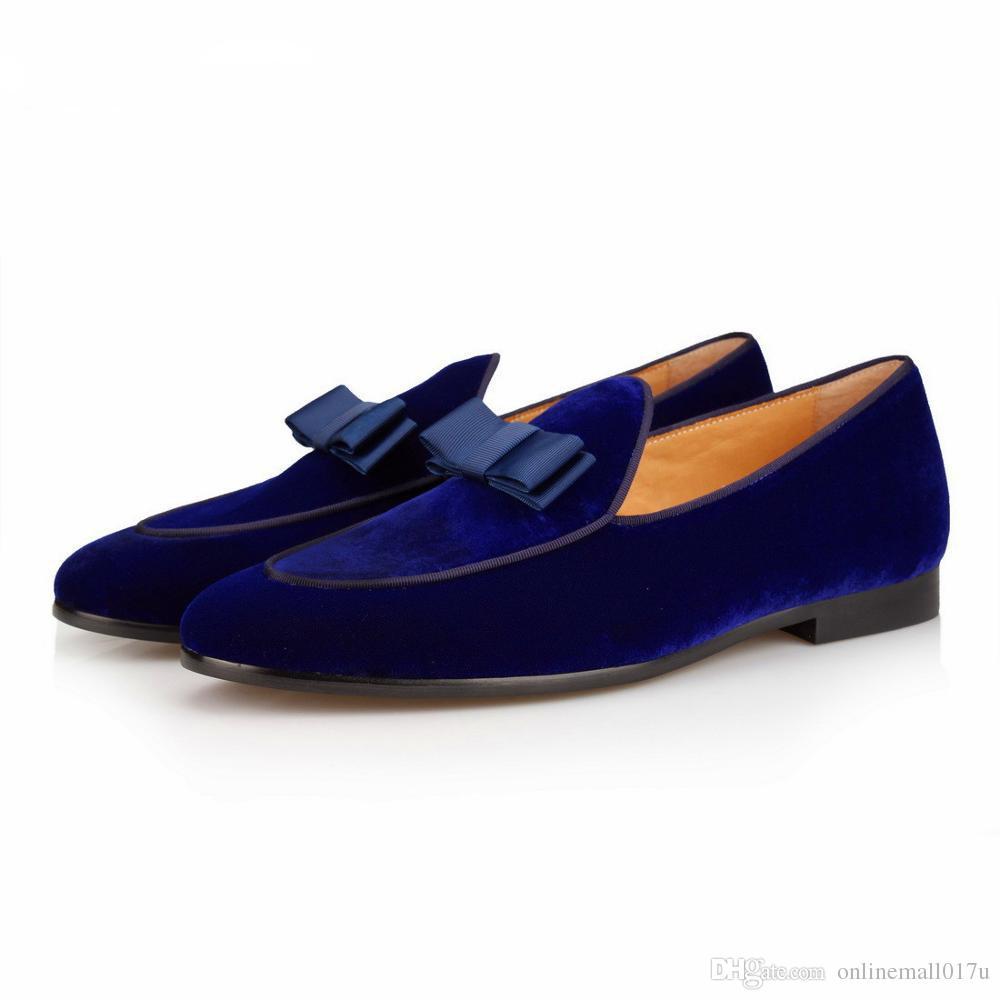 ccce812776 Compre Mocasines De Terciopelo Azul Hombres Zapatillas Pajarita Mocasines  Hombre Pisos Boda Zapatos De Vestir De Los Hombres Zapatos Ocasionales De  Cuero ...