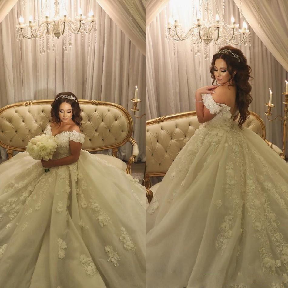 2018 Luxury Lace Ball Gown Wedding Dresses Bridal Gowns Sleeves 3D Flowers  Applique Chapel Train Dubai Arabic Wedding Dresses Plus Size Wedding Dresses  Plus ... 4782c2df4817
