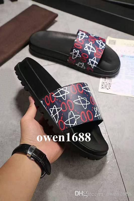806e8ca4c 2018 mens fashion Graffiti logo Star print rubber slide sandals with Molded  rubber footbed boys outdoor beach slippers