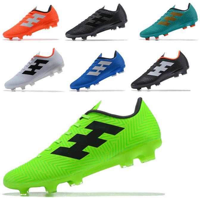 Compre Nemeziz Messi Tango 18.4 FG Botas De Fútbol Para Hombre Con Tacón  Bajo Al Aire Libre Botas De Fútbol Más Baratas Zapatos De Fútbol Negro De  Oro ... c5e8246e35e8c