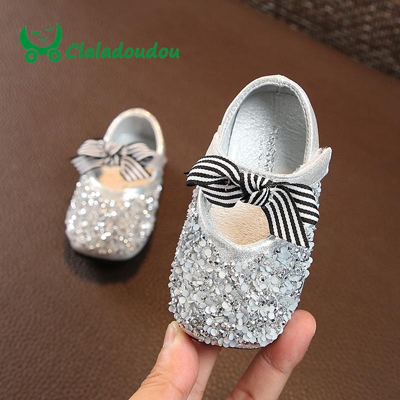 917c5037c45e 0 2 Years Old Pu Leather Baby Shoes Bling Flower Silver Newborn Baby Girl Shoes  Bow Black Infant Walker Princess Toddler Ivory Patent Leather Toddler Shoes  ...