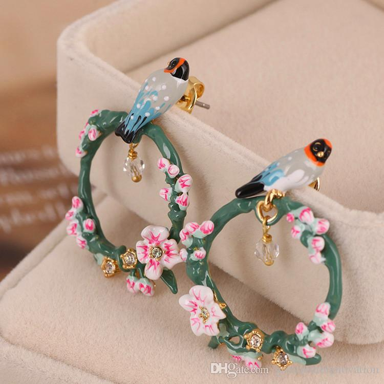 2018 Hot Brand Cherry Blossoms Brids Earrings For Women Top Quality Circle Florals Ear Studs Wholesale