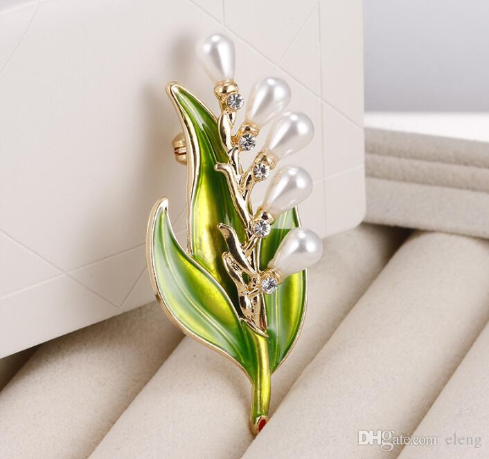 2018 Europe and the United States Cute girl Drops of oil leaves Brooch brooches rhinestone Clothing accessories Pins Party Prom Women pin 39