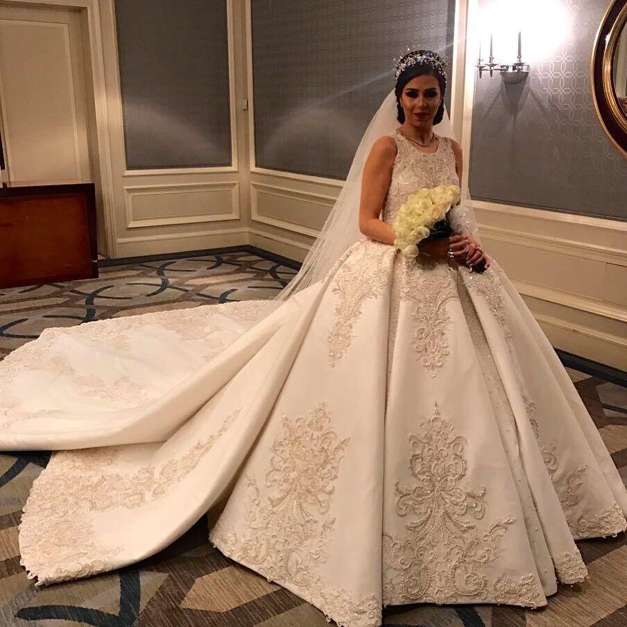 92d2b6dac24 Glamorous Saudi Arabia Wedding Dresses Embroidery Beads Lace Applique  Sleeveless Ball Gown Bridal Dress Elegant Satin Royal Wedding Gown Cheap Wedding  Gowns ...