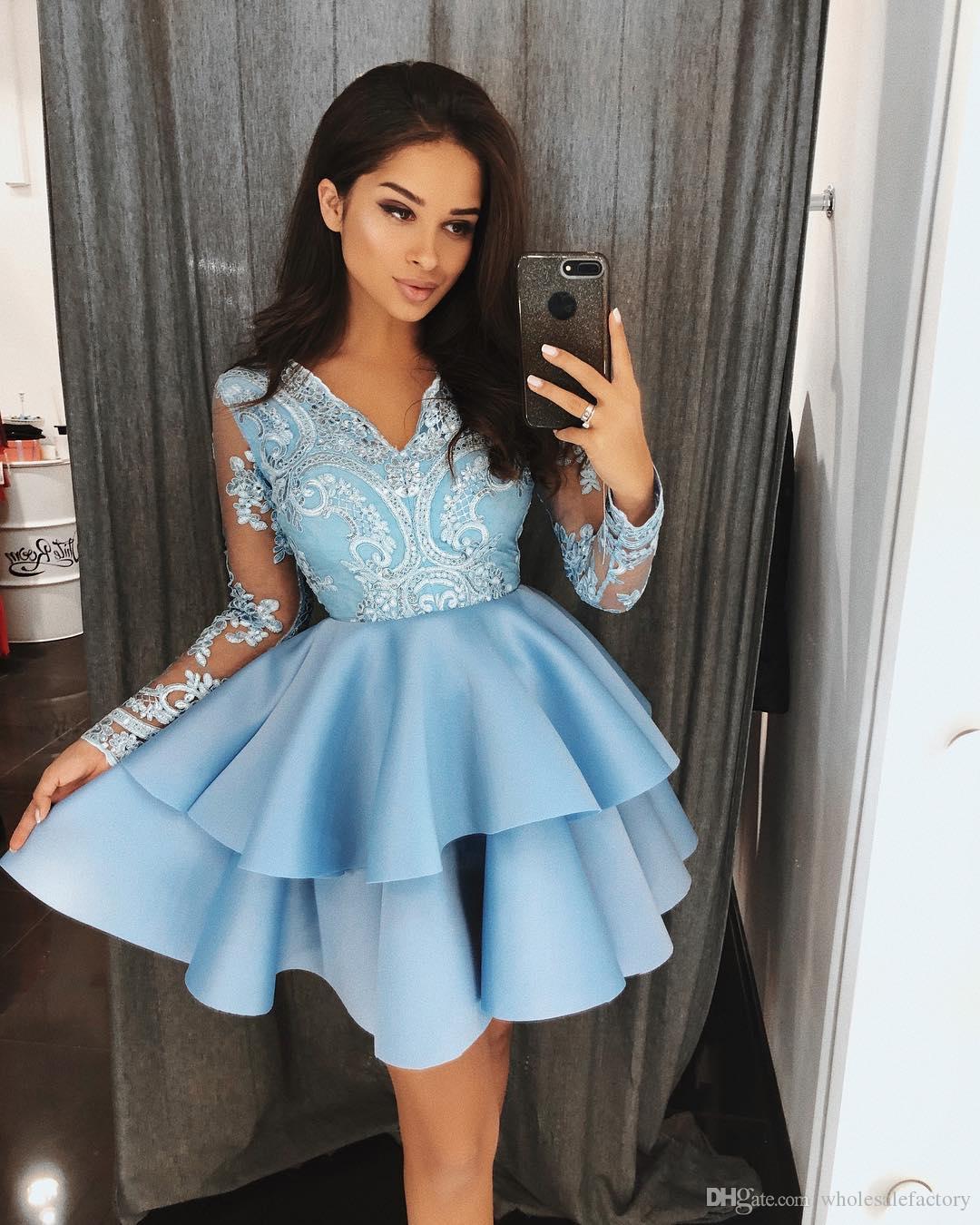 Голубое кружевное платье с V-образным вырезом A Line Homecoming Платья с длинными рукавами и аппликацией многоуровневого слоя Короткие коктейльные платья для выпускного вечера