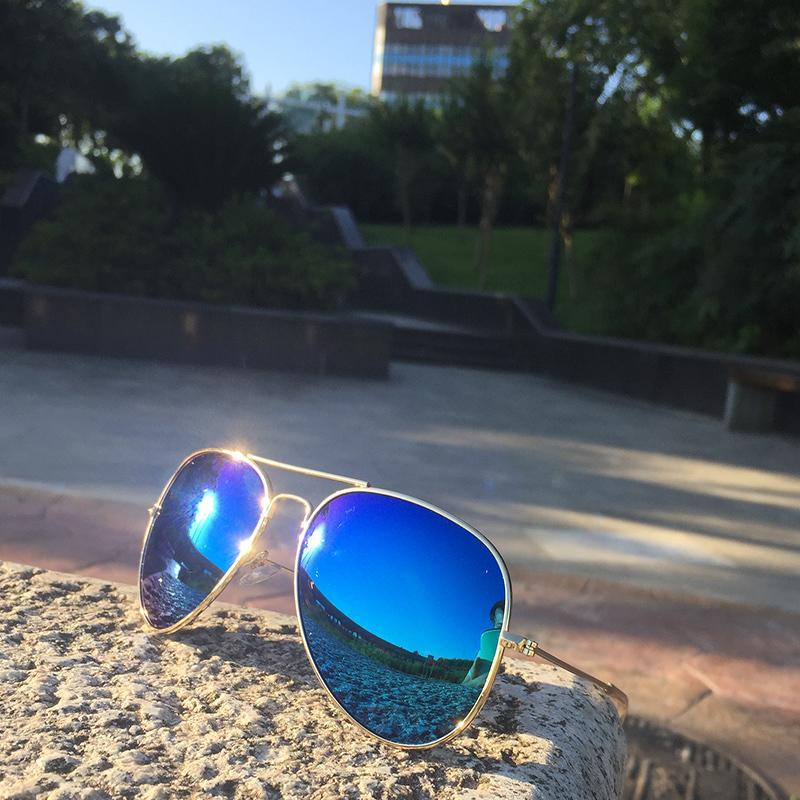 2ec8668b75 Reggaeton 2018 Fashion Color Film Ray Sunglasses Polarized Men S Female  Pilot Sunglasses Metal Frame Silver Small 58mm Lens 3026 Wholesale  Sunglasses Cool ...