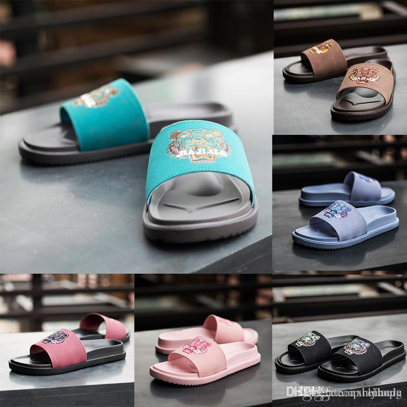 a9c154583f1433 2018 Designer Sandals Mens And Womens Fashion Causal Slippers Boys  Girls Tiger  Slide Sandals Unisex Outdoor Beach Flip Flops Size 36 44 Black Boots For ...
