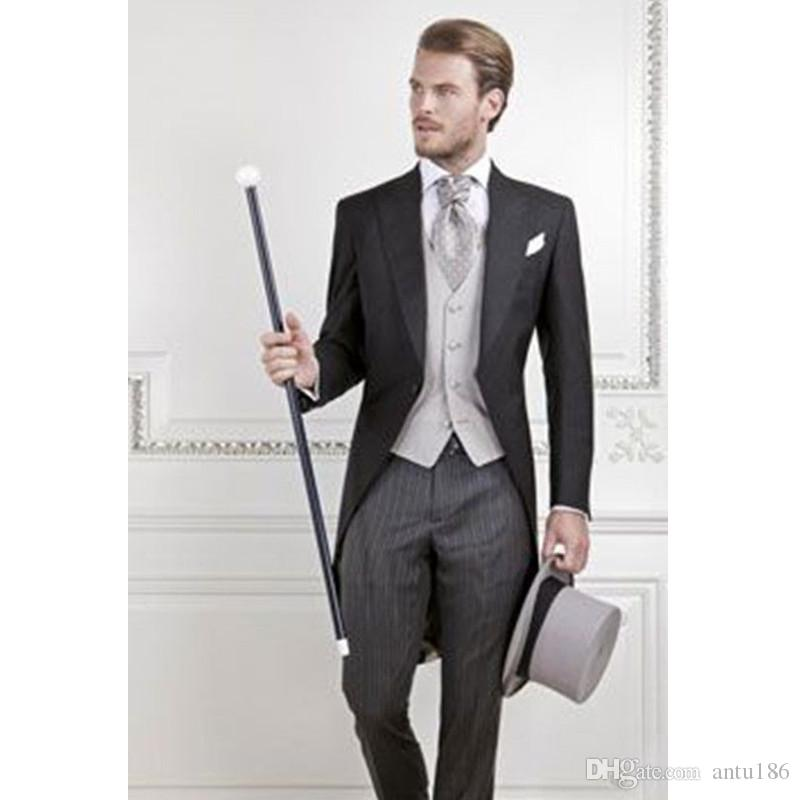 b9eb3a059923 Customized high quality fashion men's suit wedding groom groomsmen dress  men's single buckle boxer collar tuxedo dress