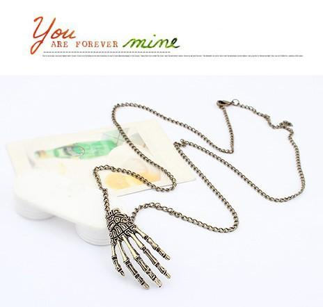 Pendant Necklace for women Zinc alloy vintage Necklace Skeleton of hand design punk rock necklaces fashion steampunk jewelry Chain necklaces