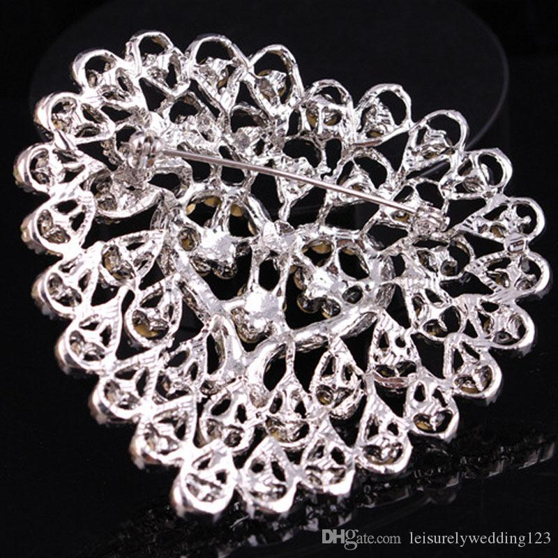 High-grade wild crystal large love bride holding flower buckle brooch pin for wedding decoration 51*53mm