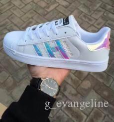 acheter en ligne 37c33 fef90 Grande taille35-45 Été 2019 Mode Hommes Chaussures décontractées Superstar  Femme Chaussures plates Femmes Zapatillas Deportivas Mujer Amoureux Sapatos  ...