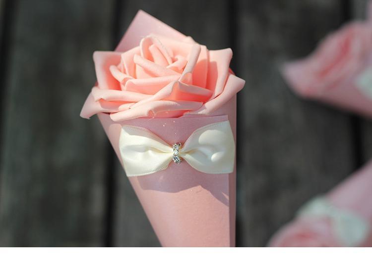 Düğün Şekerleri Kutular Gül Kağıt Çiçekler Koni Şekli Ilmek Elmas Çeşitli Renk Şekerler Kutuları Kağıt Kutuları