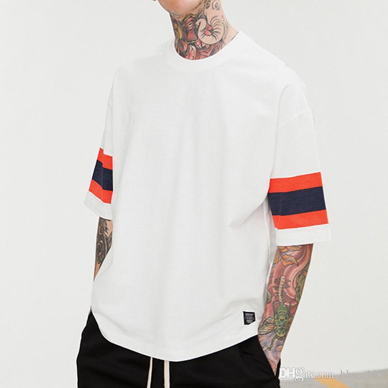68fc5faaa7f4a1 Großhandel Männer Kontrast Gestreiften Übergroßen Weißen T Shirt Kurzarm  Oansatz Baumwolle Fußball Jersey T Shirt Hip Hop Streetwear Tees Jzh0616  Von ...