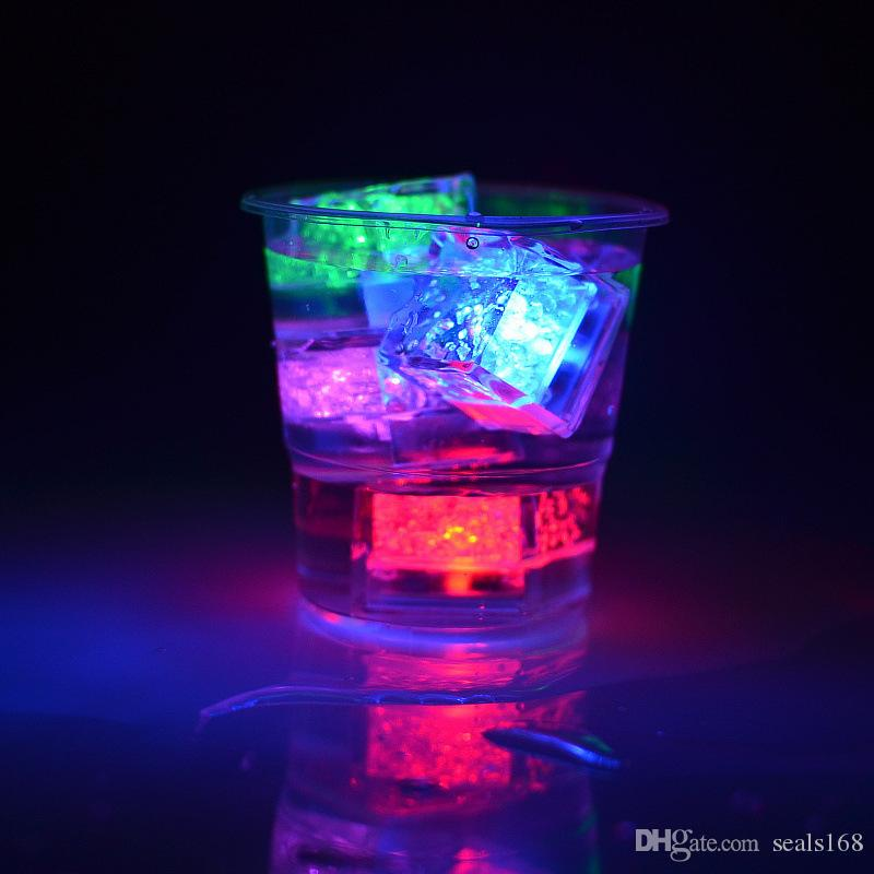 Led Artificial Ice Cube Mini Flash Luminous Light Crystal Cube For Bar Party Wedding Festival Valentine Day Christmas Decoration HH7-968