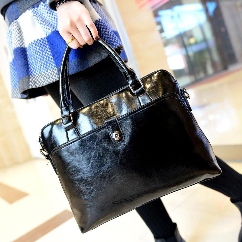 fa7655e7418f Fashion Vintage Classic Handbag Unisex Briefcase Women Design Patent Leather  Business Tote Holographic Female Trend Shoulder Bag Y18102503 Handbags  Purses ...