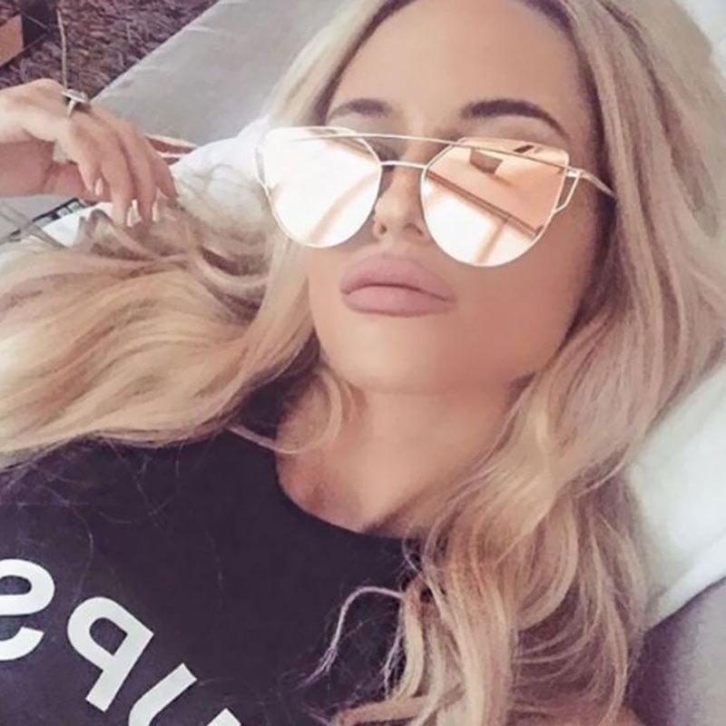 Compre Cat Eye Óculos De Sol Das Mulheres Designer De Marca UV400 Rosa  Espelho De Ouro Senhora Barato Lente Plana Cateye Óculos De Sol Venda  Quente Feminino ... 82e148a4e9