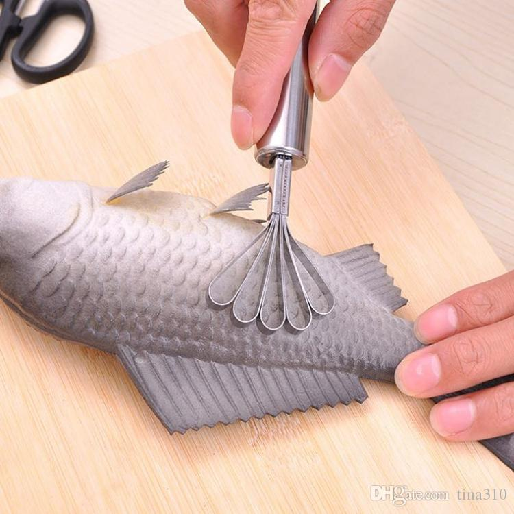 Échelle de poisson en acier inoxydable rabotage grattoir échelle outil Râpe Coconut raboteuse Coconut rabotage ustensiles de cuisine détartreurs T4H0395