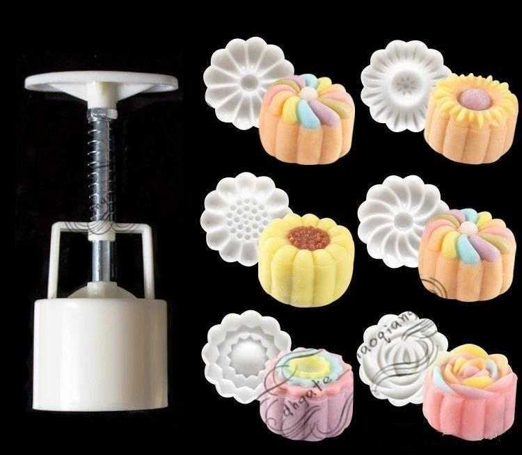 / Set 3D Moon Cake Mold 1 Hand Press con 6 Flower Shape 50g Mid Autumn Arch Moon Stampi dolci Pane Biscotti Maker