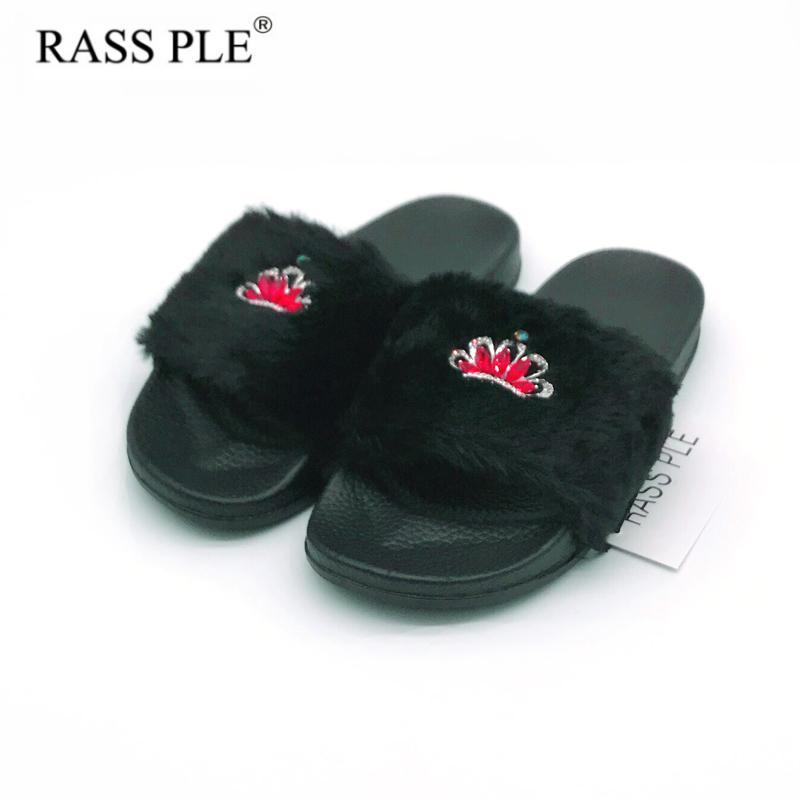 RASS PLE 2018 New Women Fluffy Fur Slippers Spring Summer Autumn Crown  Slippers Rhinestone Flip Flops Comfortable Flat Shoe Slippers Rain Boots  From Fenxin 3ae1ed6da243