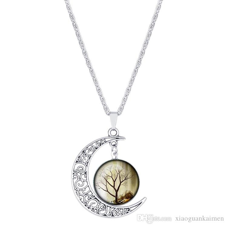 Moda trafitto Carving Moon Pendant Necklace Ciondola Tree of Life Charms argento antico placcato collane le donne gioielli regalo
