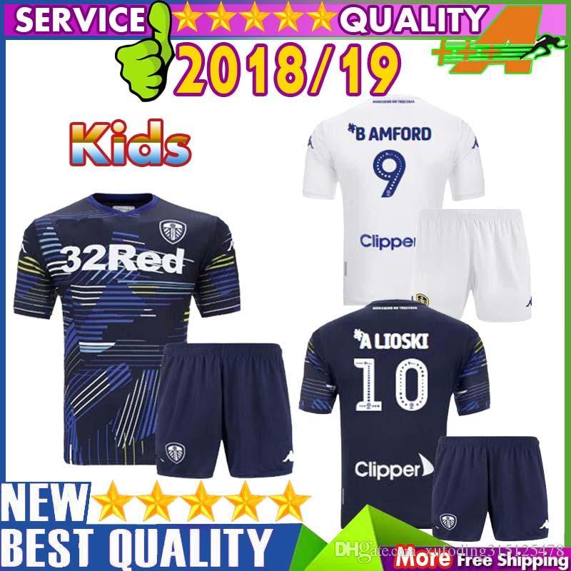 18 19 Leeds United Kids Kits Jerseys 2018 2019 Leeds Home Away Child Shirts  ALIOSKI JANSSON BAMFORD COOPER SAIZ ROOFE Boys Football Shirt UK 2019 From  ... ceab4e50c