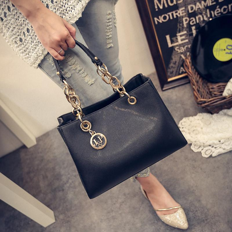 4851d99437a5 2016 Autumn Women Handbag Bolsas De Couro Fashion Famous Brands Shoulder Bag  Ladies Bolsas Femininas Sac Guest Bag For Women Y1892110 Designer Handbags  ...