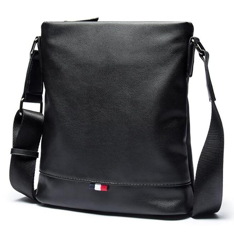 31a18744b Compre Homens Saco Crossbody Bag Ombro Homens Sacos Do Mensageiro Moda  Pequeno Casual Bolsas De Grife Homem Sacos Bolsas De Couro Masculino PU  Preto De ...
