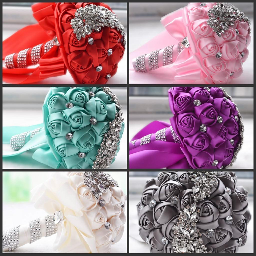 Wholesale Pretty Crystal Brooch Wedding Bouquet Wedding Accessories Bridesmaid Artificial Satin Flowers Wedding Flowers Bridal Bouquets