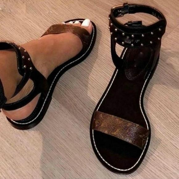 5cd75df3cad4 2018 NEW Arrival WOMEN NOMAD SANDAL BLACK GOLD GLADIATOR FLAT SHOES 35 41  With Original Box Dust Band Sandals High Heels From Zhouyunhui