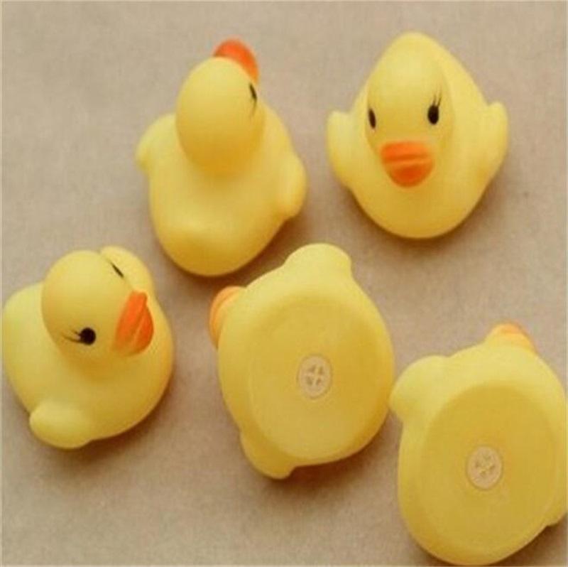 4 سنتيمتر بطة المياه حمام الطفل لعبة الأطفال الشاطئ السباحة الأصوات البط الأصفر صغير البسيطة pvc كيد ألعاب تعليمية 0 24sc yy
