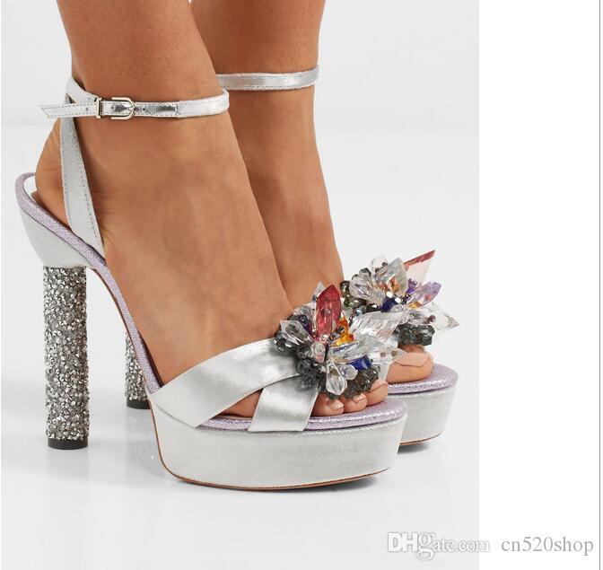 39f4533d91a Compre Sandalias De Tacón Alto De Color Plata Para Mujer 2018 Bombas De  Wome De Estilo Nuevo Tacones De Tacón Alto Sandalias De Novia Elegantes  Zapatos De ...