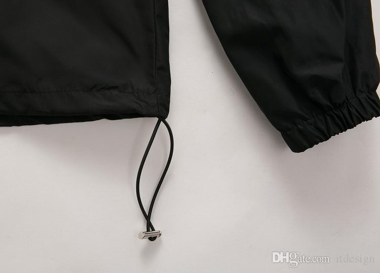 남성 핫 세일 후드 나일론 윈드 브레이커 자켓 솔리드 컬러 블랙 / 네이비 맨 슬림 피트 숏 스타일 지퍼 포켓 조절 가능