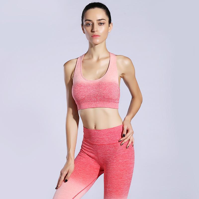 Acquista Completi Sportivi Da Donna Tuta Da Ginnastica Sexy Con Imbottitura  Yoga + Calzamaglia Sportiva Legging Pantaloni Da Ginnastica Palestra  Fitness Set ... f6aac16327d