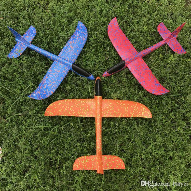 Hand throw aircraft foam glider paper aircraft model children outdoor toys  small gifts 360 degree magic model assembling creative children&#