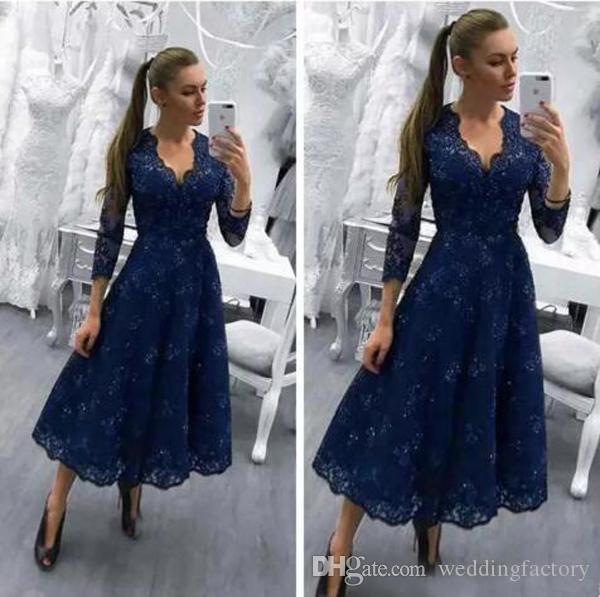 花嫁のドレスvネックネイビーブルーロングスリーブレースアップリケビーズの結婚式のゲストドレス茶長いイブニングドレス