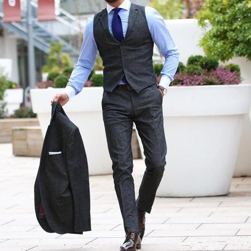 30bd53e2bf Compre Chaleco Gris Oscuro Pantalones Traje De Hombre Set Chalecos Vestido  Para Hombre Mejor Hombre Novio Boda Prom Clásico Chaleco Smoking 2 Piezas  Chaleco ...
