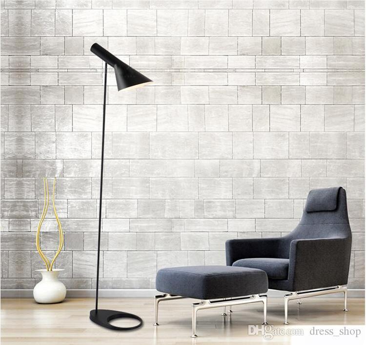 AJ Lambader E27 Siyah / Beyaz Arne Jacobsen Louis Poulsen Oturma Odası / Country House / Bar / Otel İçin Metal Zemin Işıkları Standı