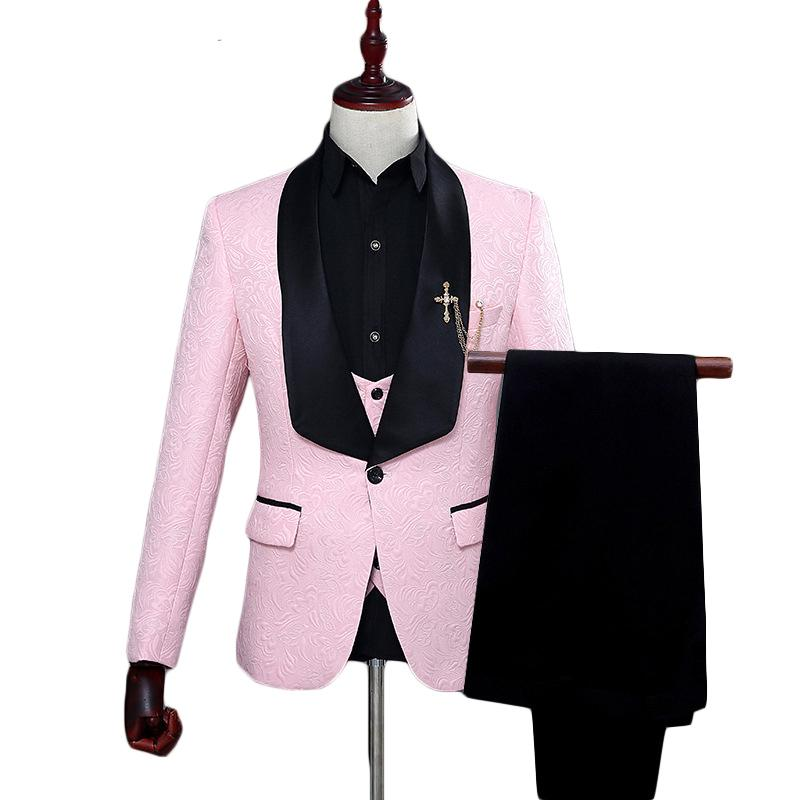 997819cf0a2f0 Compre Traje Rojo Blanco Rosa Hombres 2018 Slim Fit Chal Chal Trajes De  Hombre Para La Boda De Moda Jacquard 3 Unidades Trajes De Baile A  115.92  Del ...