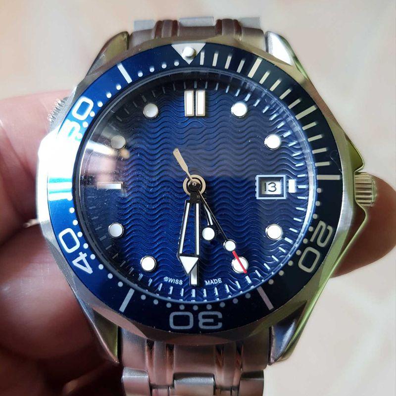 2019 El más nuevo de lujo para hombre Profesional 300m James Bond 007 Azul Dial Sapphire Reloj automático Relojes de los hombres