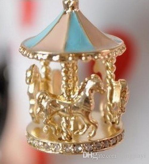 موضة جديدة الحلو المينا كاروسيل مرح الذهاب جولة الحصان سحر قلادة البلوز قلادة سلسلة للنساء هدية