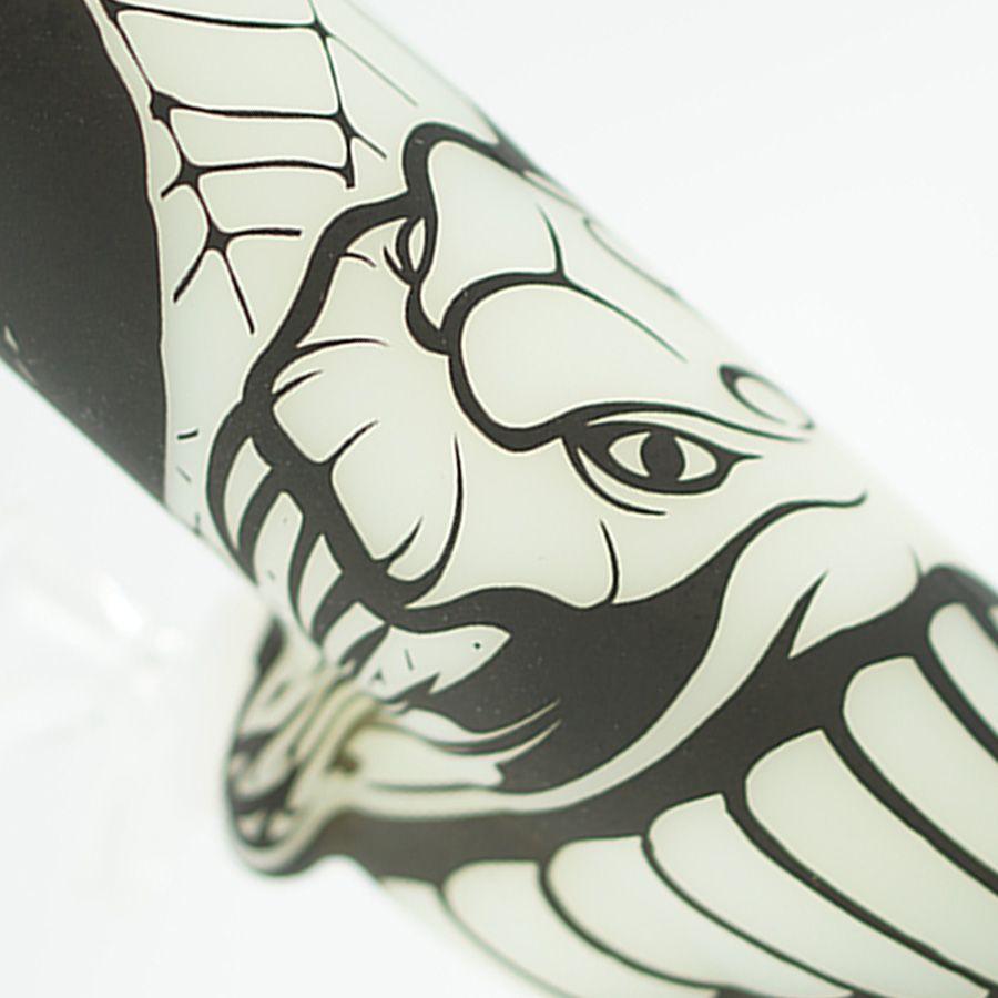 COBRA Textura resplandor en la base de los cubiletes oscuros 13.5 '' Tubo de la tubería de vidrio de la impresión de la impresión de la impresión de la impresión de la impresión de la impresión del vidrio de la tubería de agua de los bongs