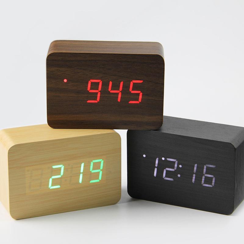 3235914864c Compre 2018 Pequeno Bonito LED Relógio Digital De Madeira Despertador  Controle De Som USB Display De Temperatura Eletrônico Relógio De Mesa De  Mesa De ...