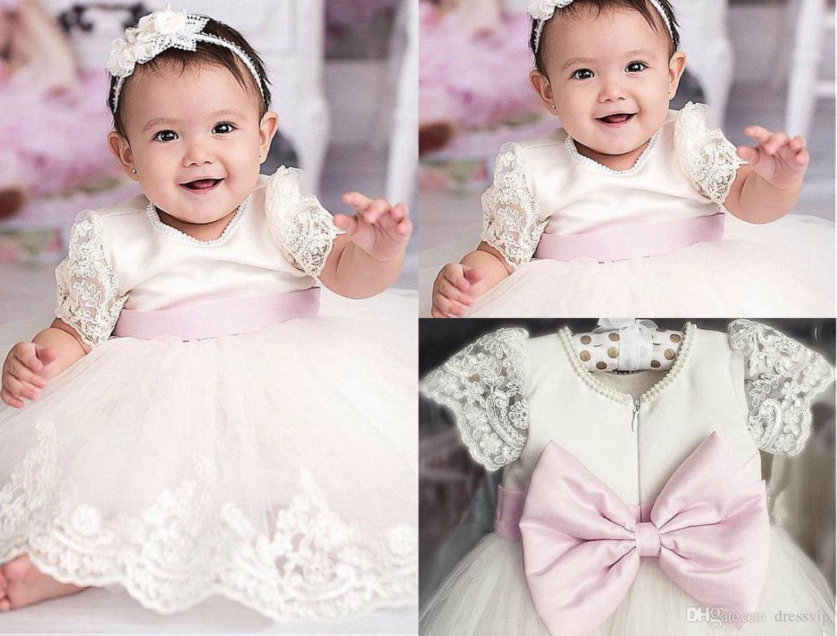 White Ivory First Communion Dresses Jewel Neck Lace Appliques Pearls Baby Girl Baptism Gown Christening Dress With Bow Flower Girl Gowns