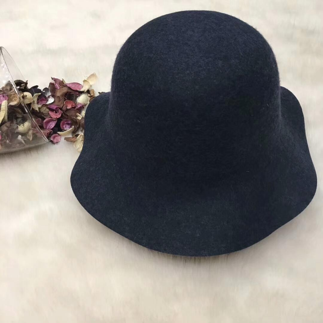 e997f5562d0fb 2019 New Famous Brand Women Hat Luxury Designer Wave Brim Cloches Hat Pop  Cashmere Female Winter Cap Lady Girl Fashion Solid Color Top Hats From  Oem jewelry ...
